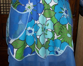 Charming VINTAGE Cotton Half Apron Reversible Mod Flowers Blue And Green