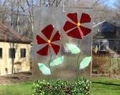 Red Fused Glass Flower Suncatcher, Spring and Summer Stained Glass Suncatcher, Red Fused Glass Flowers, Spring Sun Catcher, Garden Art