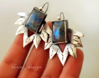 Lily - Fine silver ,Labradorite earrings
