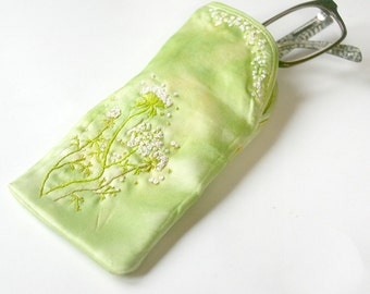 Floral Glasses Case: Hand Dyed Soft Eyeglass Holder with Queen Anne's Lace Flower Embroidery