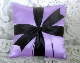 Lilac & Black Satin Ring Pillow•Beautiful•Romantic•Chic Colors•Spring Wedding•