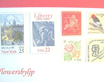 New York City Postage Stamps, Manhattan Vintage Scene - Statue of Liberty - NYC Map - Roses Stamps, Mail 20 Wedding Invitations 70 cent 2 oz