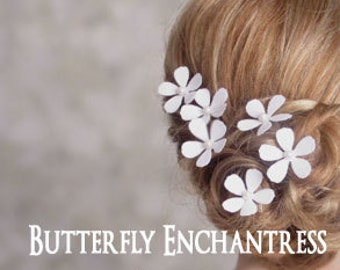 White or Ivory Bridal Hair Flowers, Wedding Hair Accessories, Bridesmaid Gift, Headpiece - 6 Cosmos Flower Hair Pins with Pearl Centers