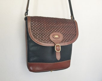 SALE / Gorgeous BALLY Vintage Woven Leather Buckle Front Purse.