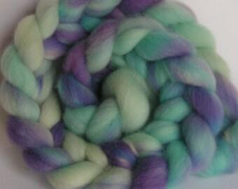 Roving Top Fiber Wool COLUMBIA Top FROZEN Hand Painted Spin Felt Craft 4 ounces Purple Blue
