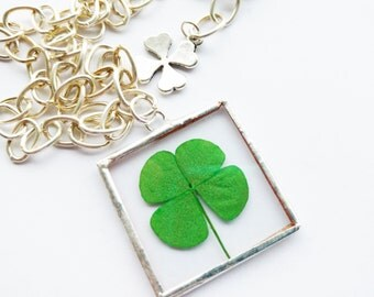 four leaf clover necklace - pendant - chain - chunky - glass - luck - irish - flower - st patricks day