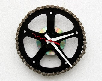 Bike Gear Clock, bicycle parts clock gift, bike clock, cyclist gift, Girlfriend bike gift, repurposed bike clock, Recycled Bike Gear Clock