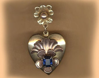 vintage HEART PENDANT gold filled with flower motif ANTIQUE heart sapphire glass highlight vintage heart it is not a locket
