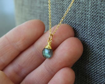 Labradorite Briolette Gold Necklace