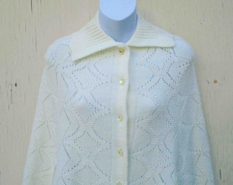 Vintage Seventies Creamy White Button Front Poncho Style Cape by WinTuck / Spring Vintage Knit Wear / Retro Gypsy Wear