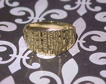 Vintage 10k Solid Gold Ring. Size 8