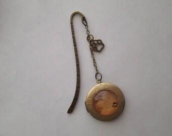 Antiqued Bronze Best Friend Dog Paw Print and Footprint in Sand Locket Bookmark