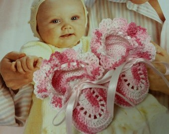 Baby Girl Booties, Crochet Pink Shoes, 0-3 Months Newborn Girl or Reborn Doll, Christening, Baby Shower Gift, Baptism, Photo Prob