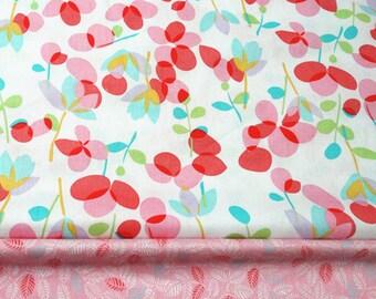 4555 - Retro Flower & Leaf Twill Cotton Fabric - 62 Inch (Width) x 1/2 Yard (Length)