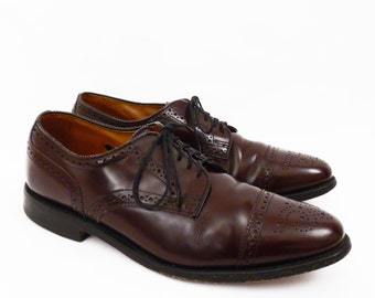 men's size 8 D // vintage leather wingtip oxfords // Allen Edmonds made in USA // cordovan wing tips