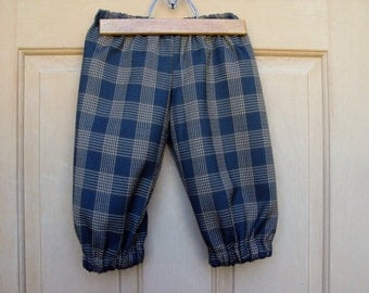 Childrens knickers, Newsies knickers, golfers knickers, Halloween costume  Toddlers sizes and a child 7 left