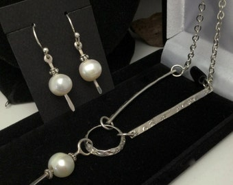 Pearl Necklace Pearl Earring Set Bridal Jewelry Mother of the BrideJewelry Bridesmaid Prom Lariat look Modern Pearls
