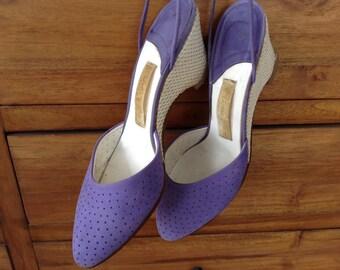 Vintage 70s 1970s Purple Violet Suede or Suedette Lace Up Espadrille Wedges Shoes, size 7.5