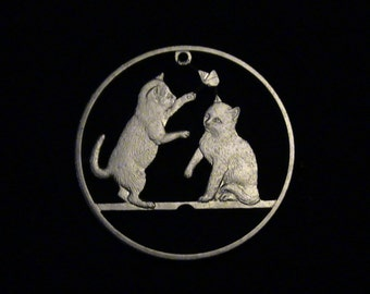 ISLE of MAN - cut coin jewelry - 2004 - Tonkinese Kittens Torturing Butterfly - CUTE