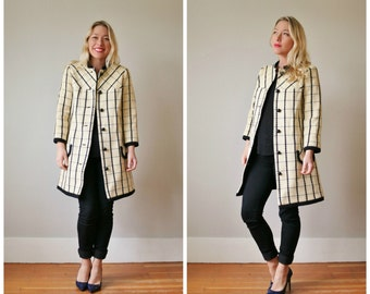 1960s Mod Cream Plaid Coat >>> Size Extra Small