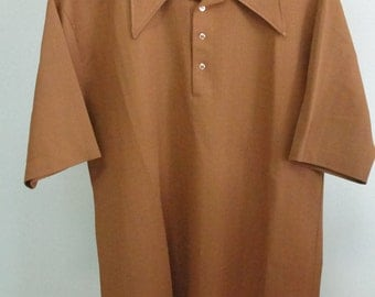 Vintage retro Jantzen 100 Mans poly shirt Pull over with pointy collar Brown color