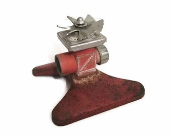 Metal Squarespray Sprinkler - Mid century - It gets the corners - Vintage yard and garden