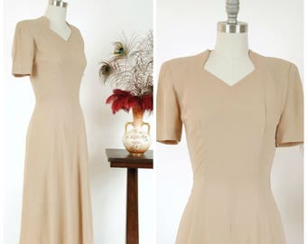 Vintage 1940s Dress - Pale Nude Beige 40s Rayon Dress with Perfect Silhouette and Neckline