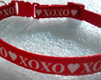 Valentine's XOXO Cat Collar, Kitten Collar, Breakaway Safety Collar - girl cat, boy cat, Valentine's Day, cat love
