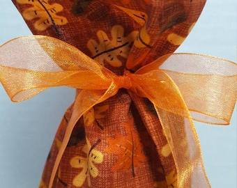 ON SALE Wine Bottle Gift Bag Fall Leaves Acorns