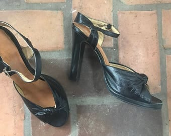 1960s Vintage Stilettos Chandlers French Room Black Leather Heels Shoes  9