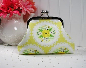 Metal Frame Purse, Frame Purse Clutch, Kiss Lock Purse .. Bright Side Doily in Yellow