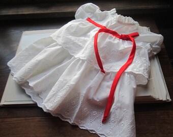 Vintage Kids * Little Girls dress * Eyelet Toddlers Dress * Kids Vintage Holiday * White Cotton Dress * Summer, Spring * Childs Vintage *