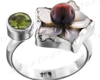 Peridot Mother Of Pearl Biwa 925 Sterling Silver Sz 7.5 Ring