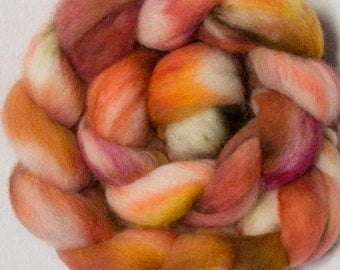 Hand dyed roving, Cheviot, 100g, hand painted British wool top, roving, combed top, green  fibre, fiber, spinning wool, Dahlia