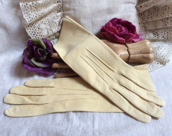Vintage pale yellow made England doeskin gloves, above wrist Boulton's English doeskin yellow gloves, sz 6 1/2 yellow gloves