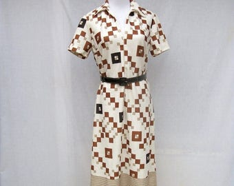 ON SALE 60s Geometric Shift Dress size Small Medium  Zip Front