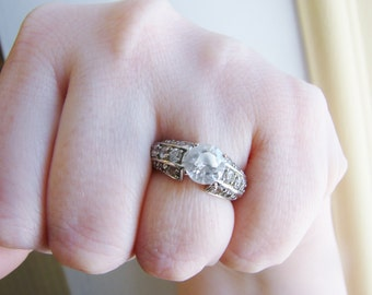 Vintage round silver engagement style ring with side crystals- size 6