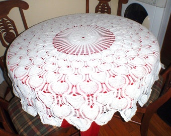 Vintage  White Knit Round Table Cloth