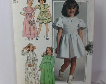 1970s Child's Dres in Two Lengths, Simple-to-Sew, Simplicity 7947, c 1977