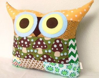 Sale /Patchwork/owl decor /or him/ Green /blue/polyfil Stuffed little owl pillow/decoration/express shipping