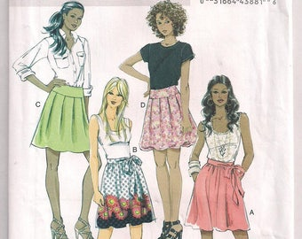 Skirt Pattern Butterick 5613 Slightly Flared Above Knee Pleated Skirt Bubble Hem Front and Back Yoke Easy Sewing Misses Petite 6 8 10 12