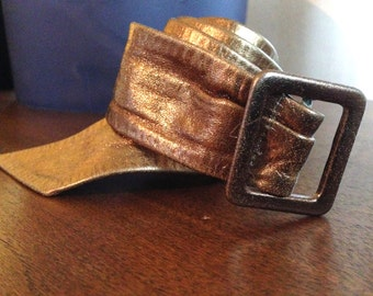 very nice gold leather cinch belt