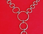"""Vintage 18"""" gold tone necklace with modernist styling in great condition, appears unworn 4.5"""" center drape"""