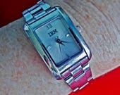 """HOLD FOR ROBYN Vintage silver tone bracelet watch with 1.25"""" face in great condition, Works great, Fresh battery"""