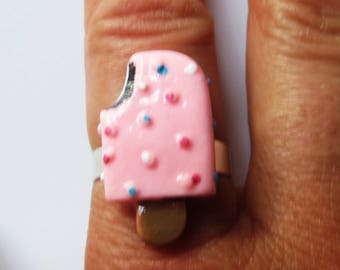 Pink popsicle (ice lolly) ring