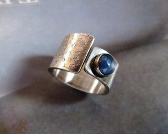 Kyanite ring, handcrafted ring, metalwork, wideband, birthday gift, blue gem ring, gift for girlfriend, gift for mother, 40th birthday