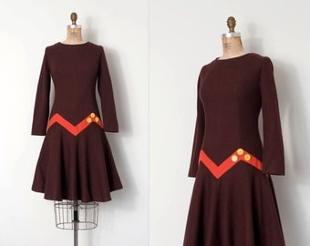 vintage 1960s dress /  brown wool 60s scooter dress / Zig Zag