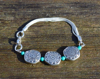 Silver and turquoise southwest line bracelet, turquoise jewelry, silver chain bracelet
