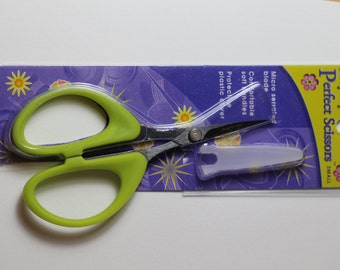 "Karen Kay Buckley Scissors Green-Handle Small size"" Serrated Edge Sharp Cutting"