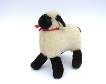 snucki   …    original vintage steiff sheep